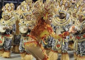 Карнавал в Сан-Паулу завершился драками и погромами