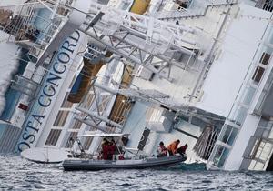 На затонувшем Costa Concordia обнаружены еще пять тел. Число жертв возросло до 11