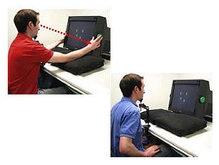 Скорость зрительного восприятия зависит от положения рук