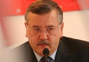 Гриценко допустил, что кто-то может нанести удар по базе ЧФ РФ в Севастополе