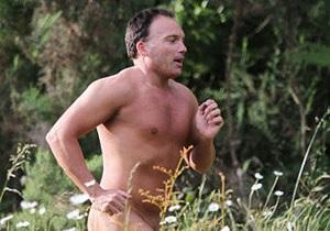 В Новой Зеландии суд разрешил мужчине совершать прогулки голышом