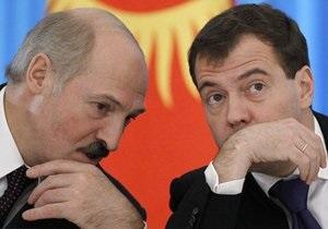 Лукашенко призвал Медведева выйти к демонстрантам