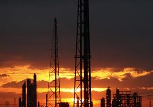 Иран угрожает перекрыть нефть из-за усиления санкций