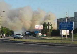 В Мариуполе произошел крупный пожар, сгорели складские помещения