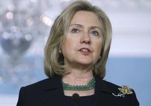 Клинтон: Войска Каддафи чинят зверства в отношении гражданского населения