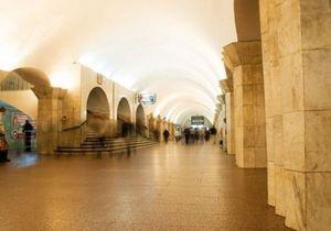 Сегодня начали ремонтировать переход между станциями метро Крещатик и Майдан Незалежности