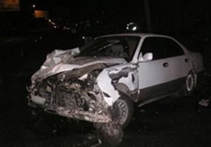 В Одессе в дом врезалась иномарка: два человека погибли
