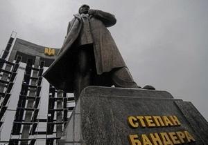 Львовский депутат прогнозирует, что  бандеровская армия выбросит из Украины синежопую банду