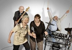 В Германии жители дома престарелых создали рок-группу