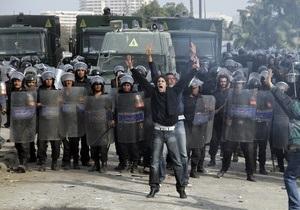 В центре Каира застрелили троих демонстрантов