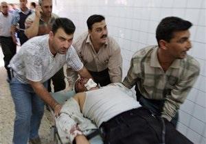 В Ираке в толпе паломников взорвались заминированные машины: десятки погибших