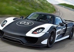 Porsche представил новый суперкар с расходом топлива три литра на 100 километров