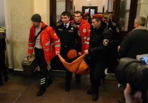новости Киева - оппозиция захватила Киевсовет - Во время штурма здания Киевсовета пострадал охранник
