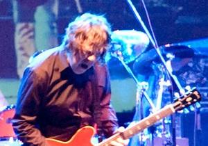 Легендарный гитарист Гари Мур скончался в возрасте 58 лет