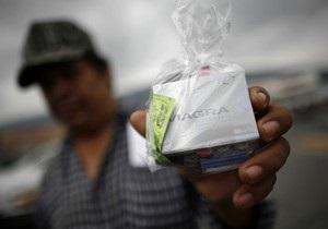 В Испании задержали мужчину, воровавшего из аптек деньги и Виагру