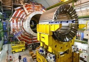Большой адронный коллайдер удивил физиков