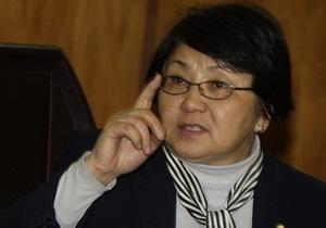 Временное правительство Кыргызстана просит у Москвы денег и нефти