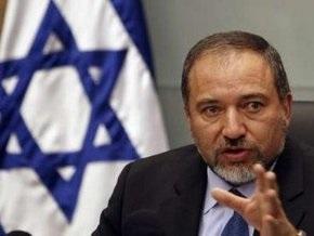 Израильская полиция хочет привлечь главу МИД Либермана к суду