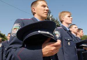 Янукович подписал закон о том, что желающие работать в МВД должны владеть украинским
