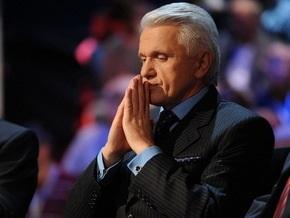 Литвин не советует отправлять Кабмин в отставку