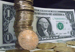 Доллар и евро на межбанке немного снизились