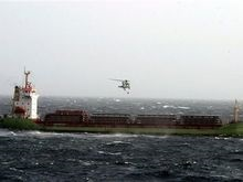Буксирование судна Lehmann Timber осложняется