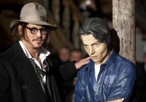 В Сербии появился памятник Джонни Деппу