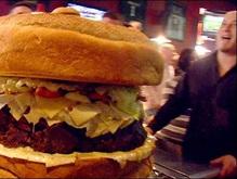 В США изготовили 60-килограммовый гамбургер