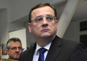 После коррупционного скандала и развода премьер Чехии подал в отставку