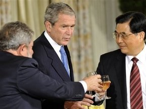 Участникам антикризисного саммита в Вашингтоне подали вино по $500 за бутылку