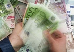 Евро продолжил пике на межбанке