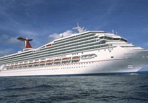 Пассажиры дрейфующего в Мексиканском заливе лайнера дерутся из-за еды - СМИ