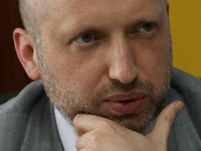 Турчинов открыл заседание Кабмина. Министры пришли без масок