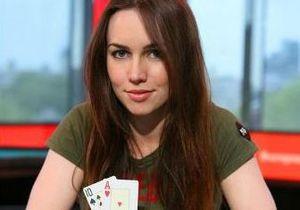 Британская модель-астрофизик выиграла миллион фунтов в покер