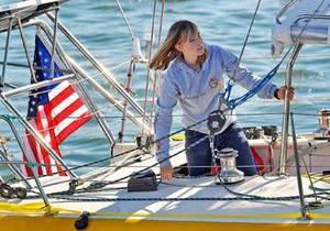 Французское судно взяло на борт пропавшую американку, совершающую кругосветку