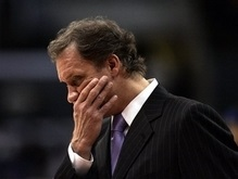 NBA: Детройт расстался с тренером
