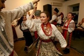 Олег Скрипка научит французов украинским танцам