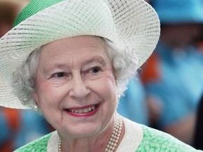 Елизавета II запечатала ящик с письмами, который вскроют в 2109 году