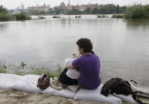 Масштабное наводнение в Польше: в стране продолжают работать украинские спасатели