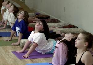 В США подают в суд на школу из-за уроков йоги