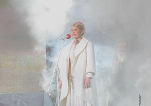 Янукович: Фейерверки Тимошенко на Майдане стоили десятки тысяч невыплаченных пенсий