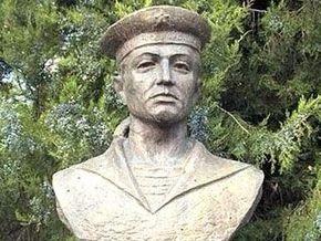 В Ташкенте демонтировали советские монументы