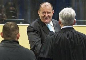 Трибунал по Югославии приговорил двух сербских чиновников к 22 годам тюрьмы