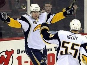 NHL: 10 000 для Buffalo Sabres, 46-летний Челиос вернулся на лед