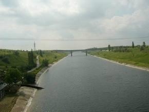 В Каховский магистральный канал упала машина: погибли два человека