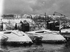 В Херсоне подлодку СС-310 готовят к сложной транспортировке в Киев