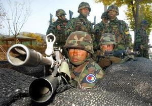 Южнокорейские солдаты обстреляли пассажирский самолет
