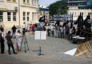 В Одессе сгорел Hummer лидера Союза анархистов Украины