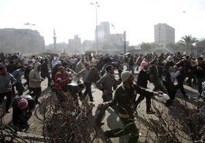 ТВ: У сторонников Мубарака обнаружили полицейские удостоверения