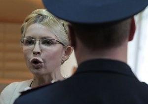 Адвокат Тимошенко жалуется, что им отключили воду, шум которой мешал прослушке